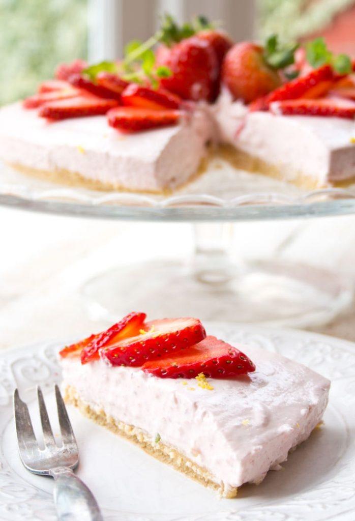 strawberry no-bake Keto cheesecake