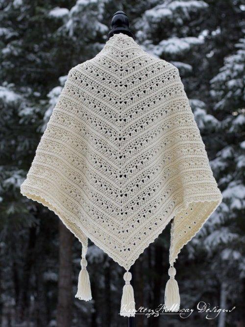 Triangle lace crochet shawl pattern