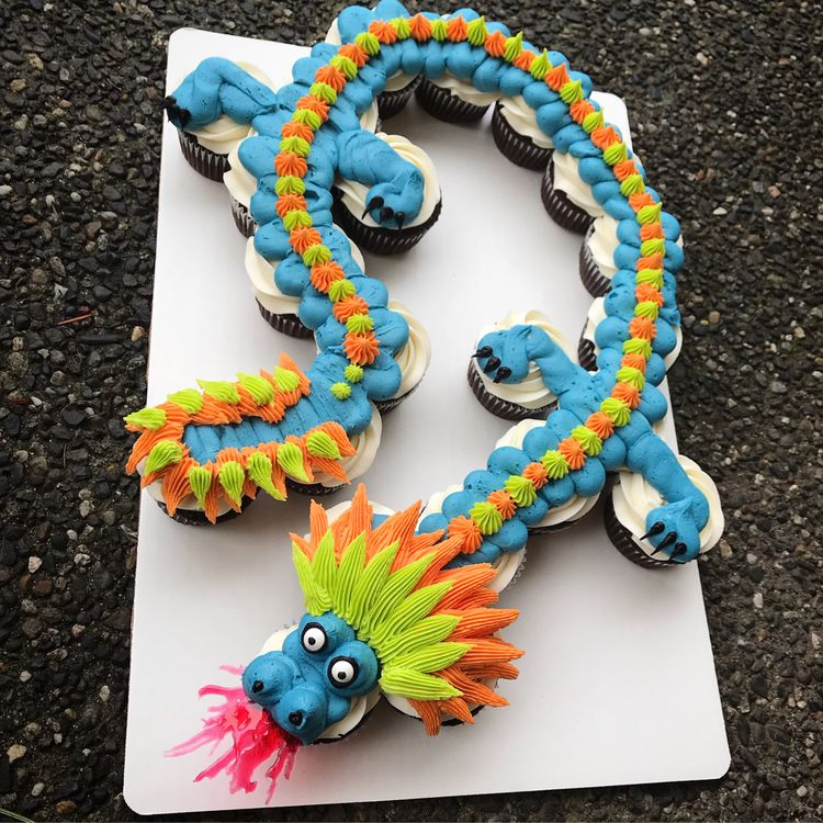 Dragon Cupake Cake