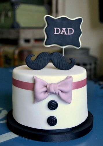 Moustach Cake