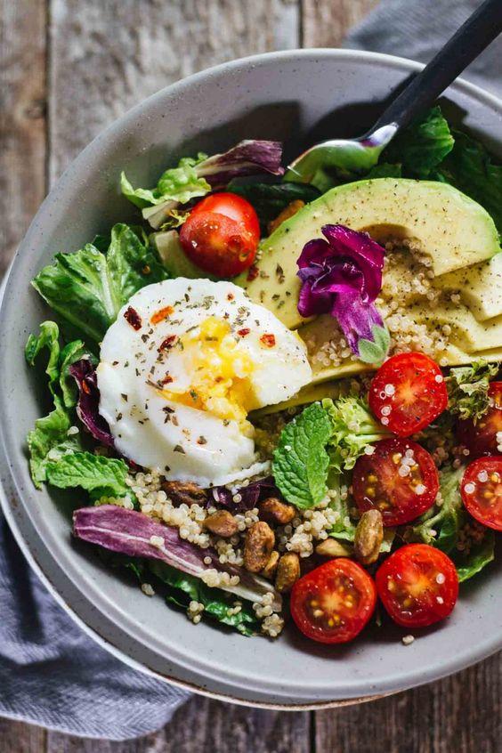 avocado and egg -healthy breakfast recipe