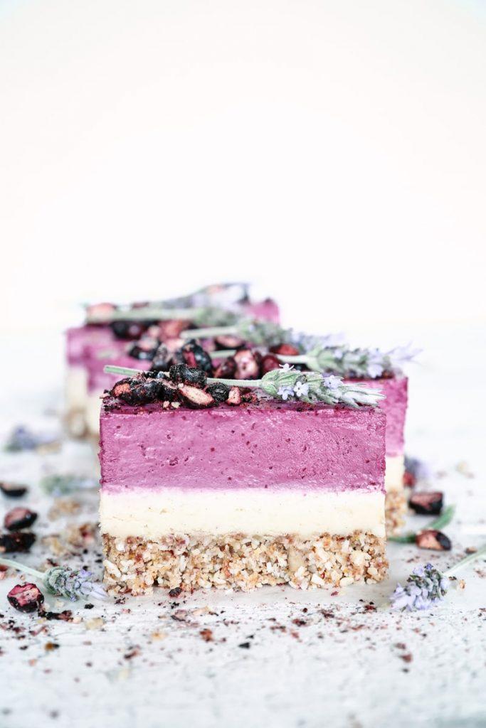 Boysenberry-cheesecake