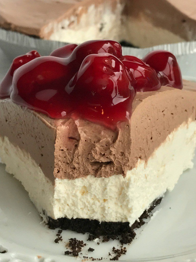 no-bake-black-forest-cheesecake-pie